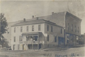 The Windsor Hotel was acquired by Mrs. A. W. Sewell in 1902 and renamed The Commercial Hotel.